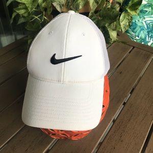 Men's Nike White Golf Hat
